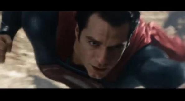 Trailer O Homem de Aço/Trailer Star Trek Into Darkness