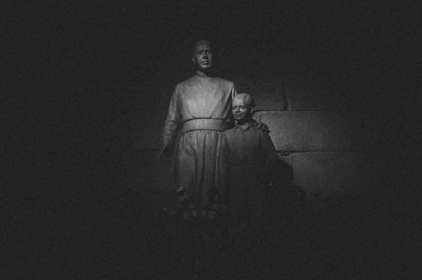 .nankeen. e Barathrum: as fotos de Rafael Roncato em exposição na Monkix