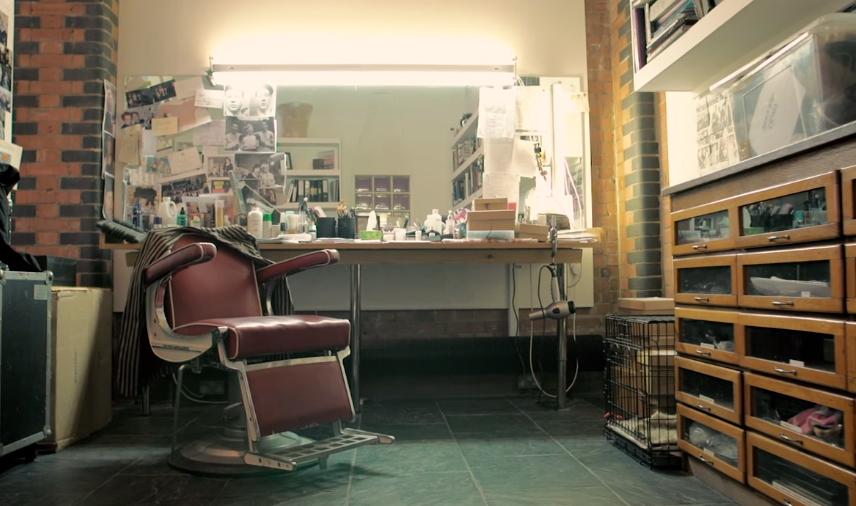 O estúdio de Christine Blundell