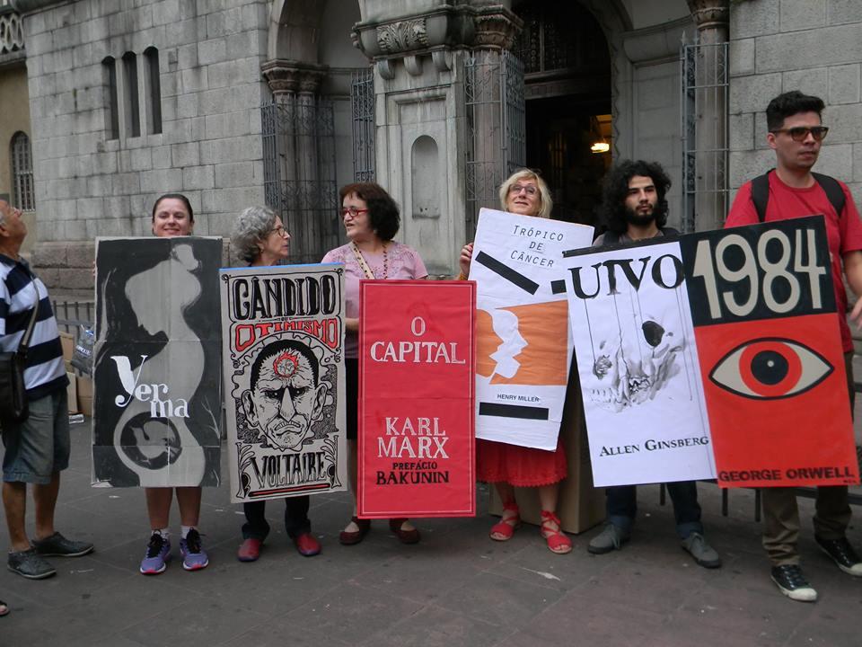 Livros e quadrinhos contra o golpe