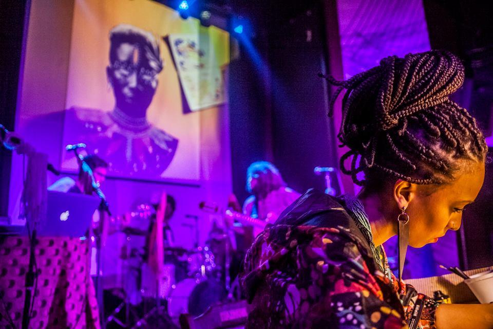Di Souza com Criola (Foto: Luiz Carlos Oliveira)